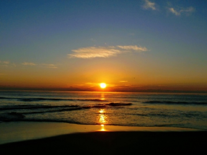 海からの日の出